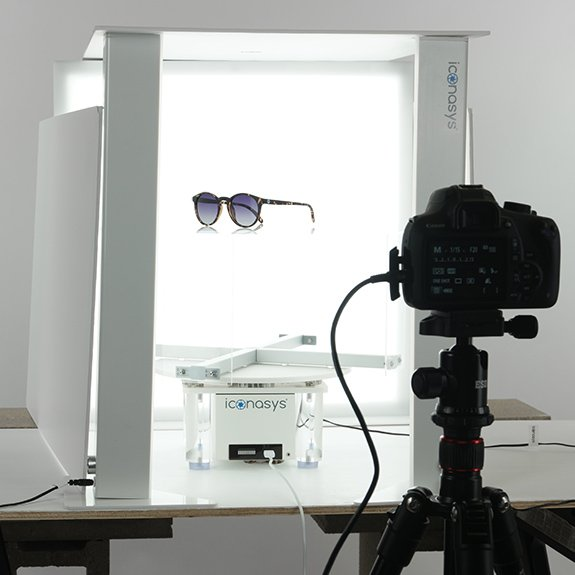 360 product image example: Sunglasses