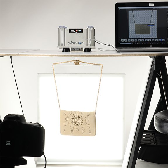 360 product photography: Hanging womens purse