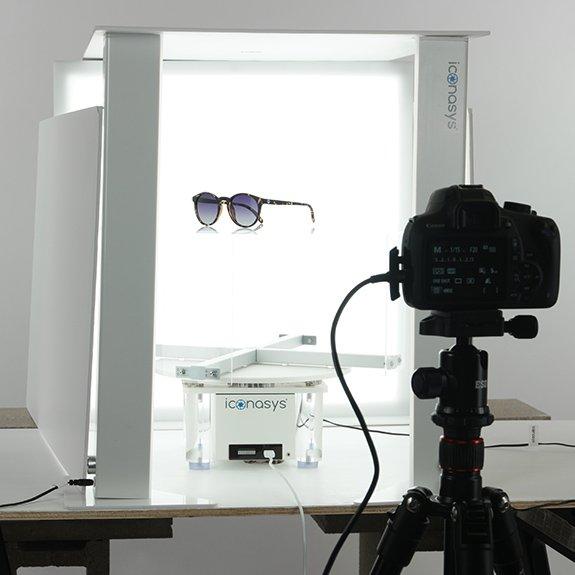 360 product photography of Sunglasses: Studio Set-up